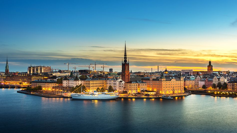 sunset-over-riddarholmen-chruch-in-old-town-stockholm-city--sweden-855564060-5ad546a404d1cf0037fbf9b3